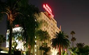 Roosevelt Hotel (at night)